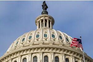 پرچم های کنگره آمریکا به حال نیمه برافراشته درآمد