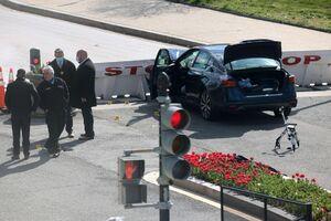 عکس/ حمله با خودرو به ساختمان کنگره آمریکا