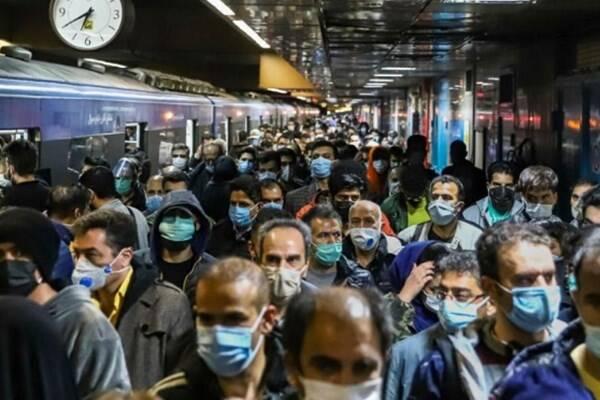 مسافران در مترو نخندند!