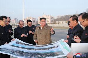 عکس/ بازدید اون از  پروژه مسکونی مدرن در کره شمالی