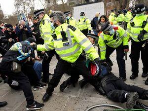 عکس/ تظاهرات انگلیسیها علیه لایحه افزایش سرکوبگری پلیس