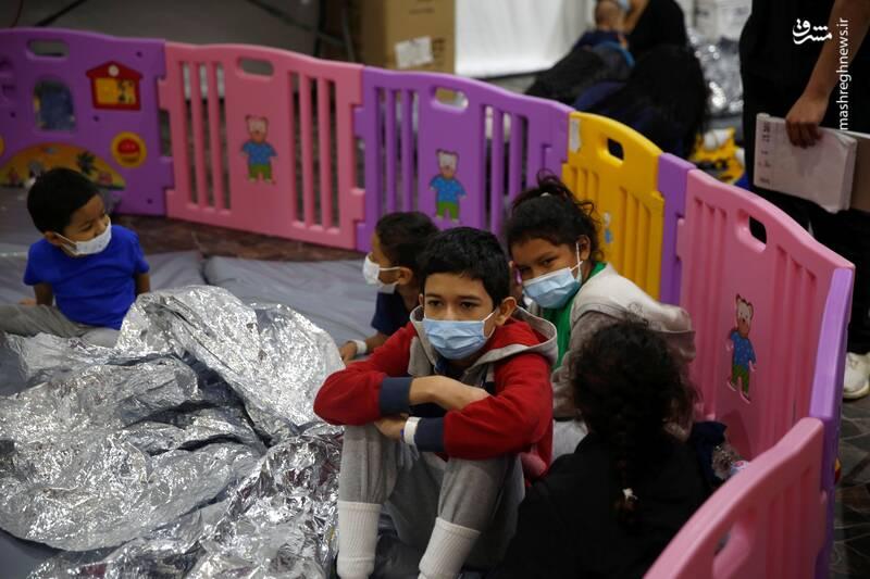 بحران مرزی در آمریکا؛ جداسازی کودکان مهاجر از خانوادههایشان به سبک بایدن +عکس و فیلم