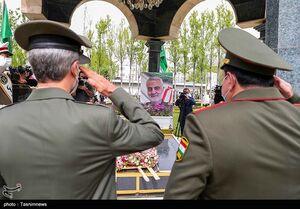 ادای احترام وزرای دفاع ایران و تاجیکستان به شهید سلیمانی