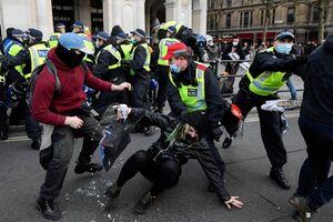 سرکوب بیشتر معترضان در انگلیس