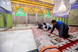 عکس/ مفروش شدن حرم حضرت عباس(ع) با فرشهای جدید