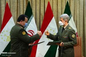 عکس/ دیدار امیر حاتمی با وزیر دفاع تاجیکستان
