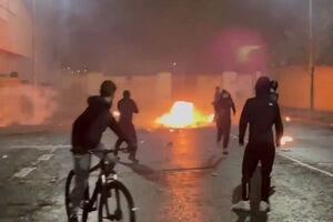 فیلم/ درگیریهای خشن معترضان با پلیس در ایرلند