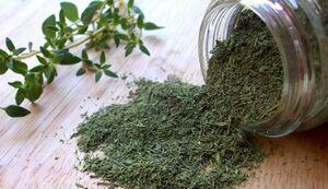 این گیاه برای درمان سرفه معجزه میکند