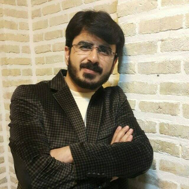 امین بابازاده : شهید آوینی همچنان به ما نهیب میزند