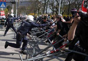 اعتراضات خشونت بار ضد محدودیتها در پایتختهای اروپایی