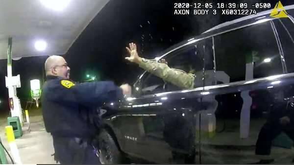 فیلم| نژادپرستی پلیس آمریکا علیه عضو سیاهپوست ارتش
