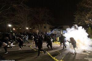 فیلم/ سیاهپوستان آمریکا به خیابانها ریختند