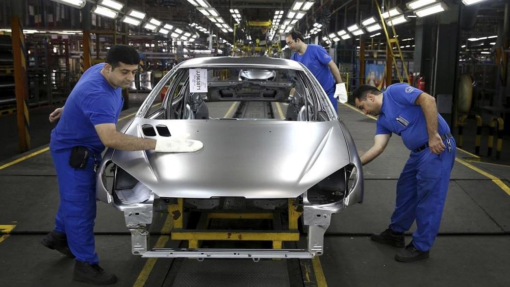آیا خودرو ارزان میشود؟ + پیشبینی قیمت بازار 1400