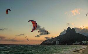 عکس/ کایت سواری در ساحل برزیل