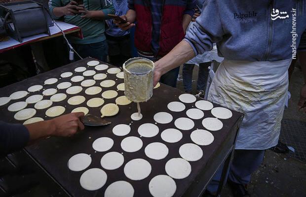 شیرینی پختن برای افطار در غزه
