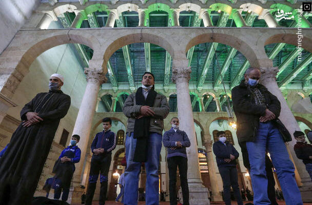 نماز خواندن در ماه مبارک رمضان در سوریه