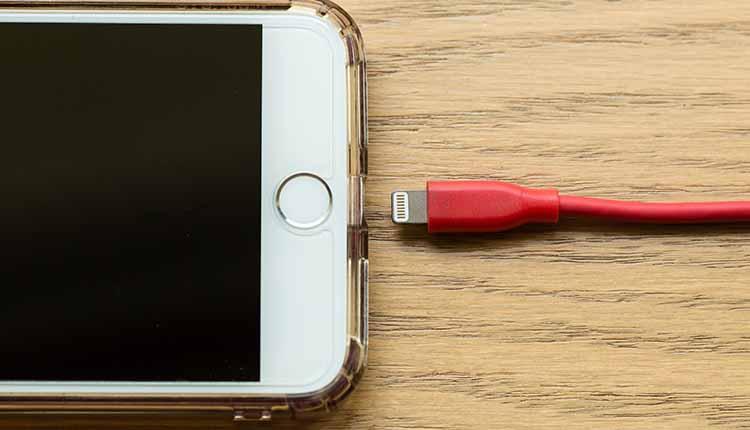 6 علتی که باعث خرابی باتری موبایل آیفون شما میشود!