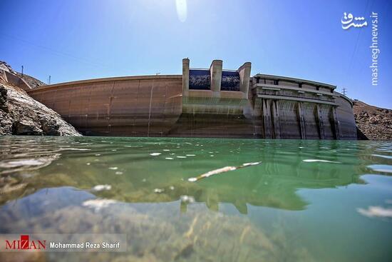 عکس/ کاهش آب مخزن سد زاینده رود