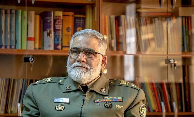 چگونگی تشکیل تیپ مالک اشتر در سوریه/ ماجرای تقدیر سردار سلیمانی از امیر پوردستان