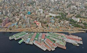 عکس/ قایقهای پارک شده در اسکله داکا