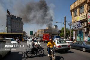 عکس/ آتش سوزی واحد تجاری و مسکونی در قم