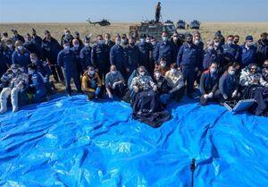لحظه فرود فضانوردان ایستگاه فضایی در بیابانهای قزاقستان +فیلم و عکس