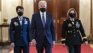 اختلاف بایدن با فرماندهان ارتش آمریکا در باره خروج از افغانستان