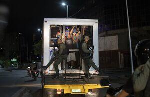 عکس/ دستگیری ناقضان محدودیتهای کرونایی