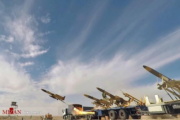 «کمان ۲۲»، پهپادی بومی با قابلیت حمل مهمات و موشکهای هوشمند/ «کمان ۲۲» با قابلیت، شناسایی، عکسبرداری و جمعآوری اطلاعات