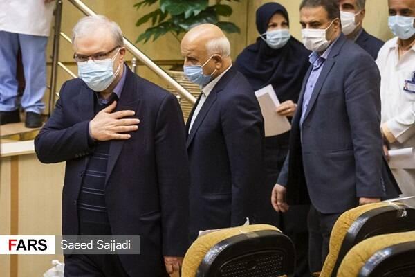 گزارشی از هجوم هماهنگ حامیان دولت به وزیر بهداشت