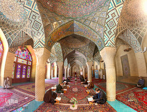 عکس/ محفل انس با قرآن در مسجد نصیرالملک شیراز
