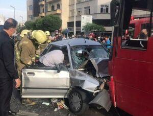 عکس/ تصادف شدید پراید با اتوبوس در خط ویژه!