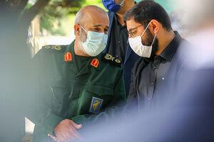 عکس/ گفتگوی فرزند سردار حجازی با جانشین پدرش