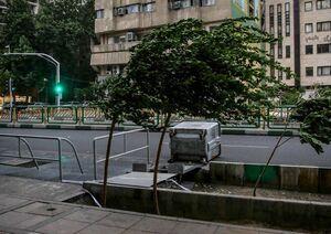 تندباد تهران حادثه جانی دربرنداشت/تندباد تا روز شنبه در تهران است