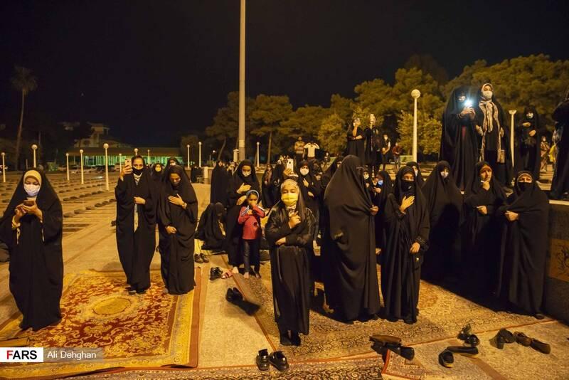 حضور جمعی از بانوان در مراسم