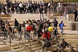 عقب نشینی نظامیان صهیونیست از «باب العامود»