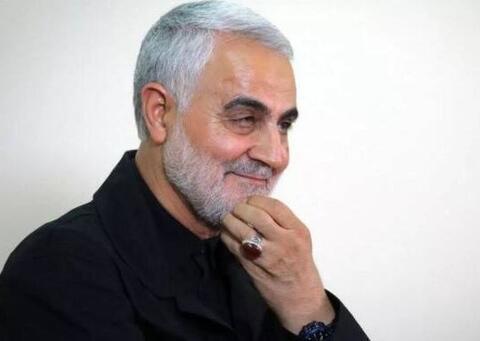 """تصاویری از حضور """"حاج قاسم"""" در حرم امام رضا(ع)"""