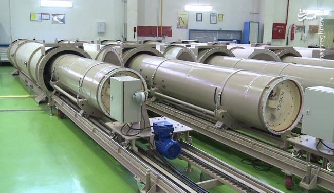 سوخت جامد موشک فاتح و خلیج فارس در کارخانه+ عکس