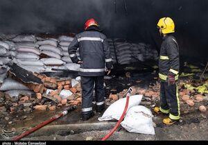 آتشسوزی مهیب در شهرک صنعتی شکوهیه قم +فیلم و عکس