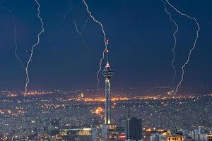تصاویری از رعد و برق شب گذشته آسمان تهران