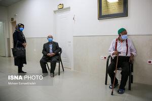 عکس/ واکسیناسیون سالمندان بالای ۸۰ سال در مشهد