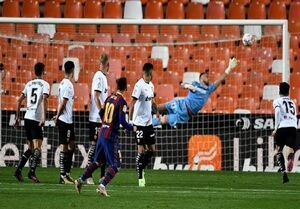 بارسلونا در کورس قهرمانی ماند