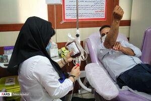 عکس/ نذر اهدا خون در شب شهادت مولای متقیان
