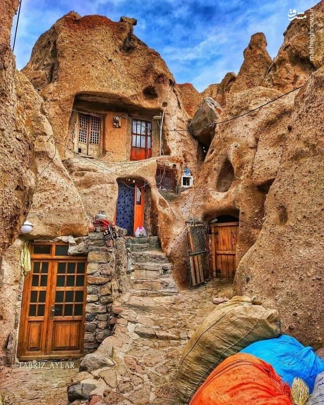 روستای صخره ای زیبا و بی نظیر ایران+ عکس