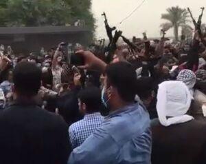 فیلم/ تیراندازی سنگین مردان مسلح در مراسم عزاداری