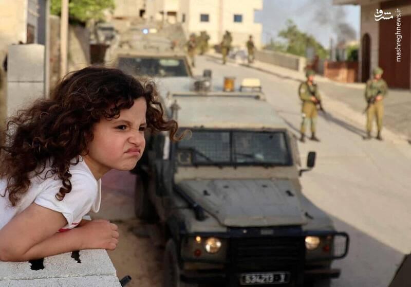 عکس/ دختر فلسطینی و سربازان اشغالگر