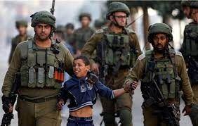 اسارت سربازان صهیونیست توسط نوجوان فلسطینی!+ عکس