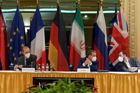 وزارت خارجه را به شکل دوران قاجار اداره کردهاند/ اروپا در وین به دنبال فشار بیشتر به ایران بود/ کسی دیگر به سخنان روحانی اعتنا نمیکند