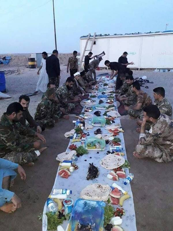 عکس/ ضیافت افطاری مجاهدین تیپ ٢٢ حشد