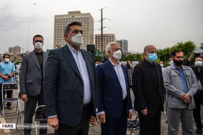 پخش سرود جمهوری اسلامی ایران در مراسم رونمایی از تندیس سردار شهید قاسم سلیمانی